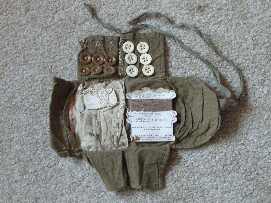 314th Infantry - Roy Leslie Sawin - artifact photo by Diane Sanborne - sewing kit - inside