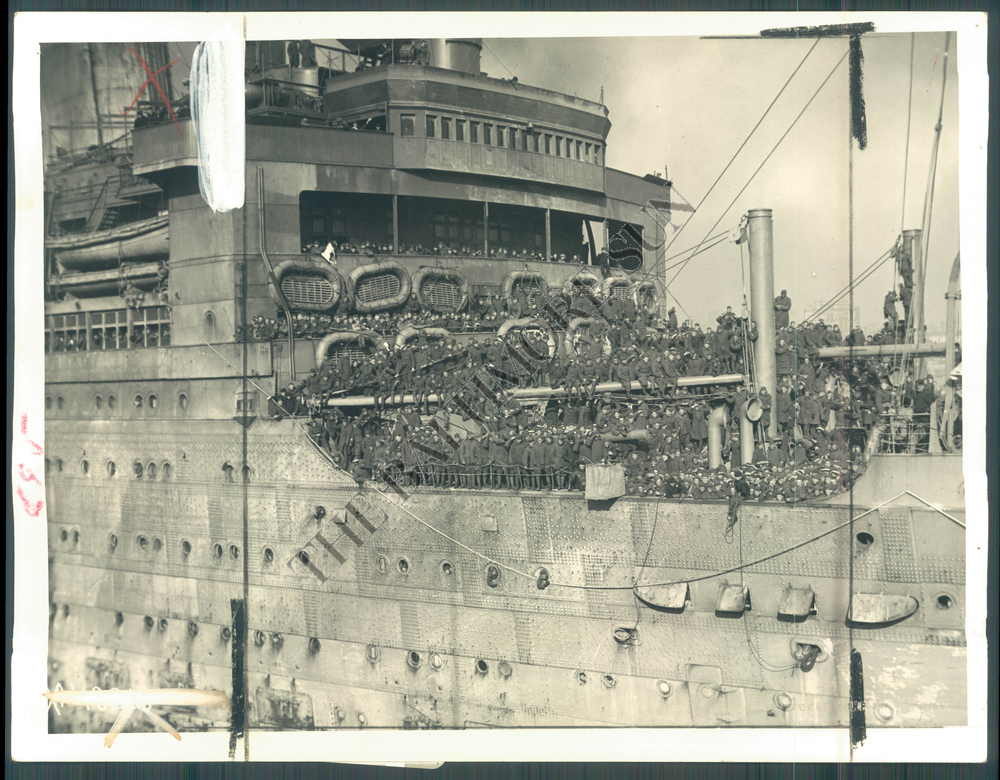 Soldiers Line the deck of the USS Leviathan before casting off at Hoboken NJ