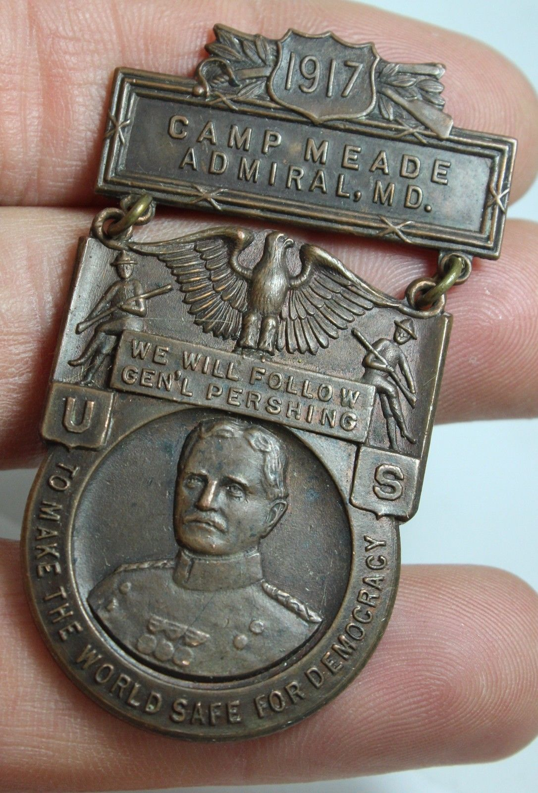 General Pershing Camp Meade 1917 medal - 1
